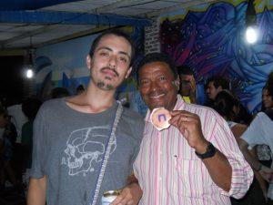 Matias e este blogueiro com o símbolo estilizado