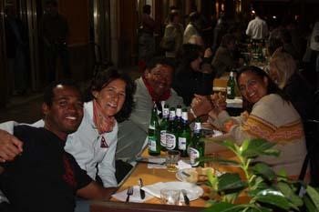 ... Ivanildo (camisa preta), Marcella Sgura, Paranaguá e Shirley