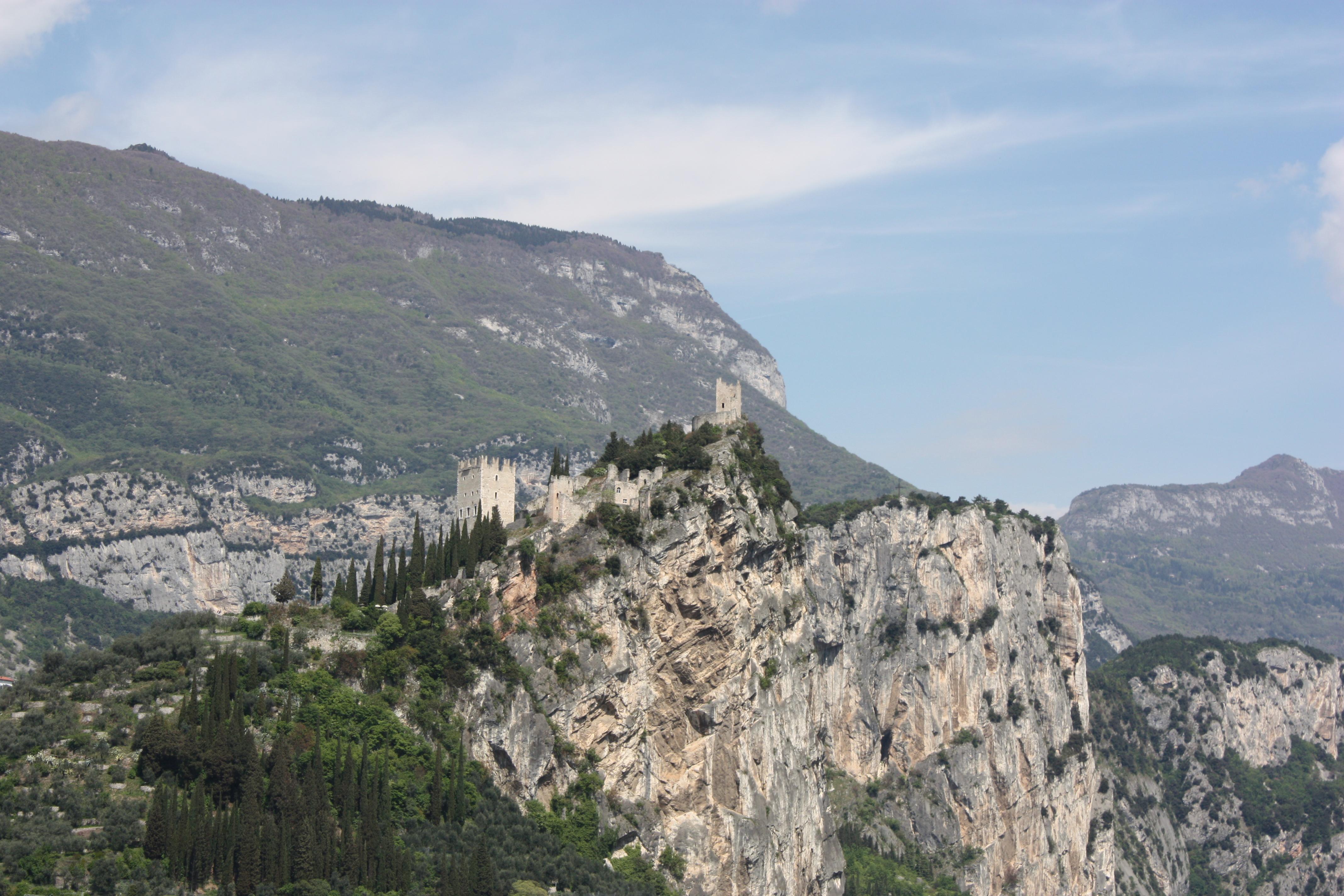 Bastione localizado no topo da montanha