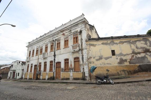 Casa de Cultura Américo Simas