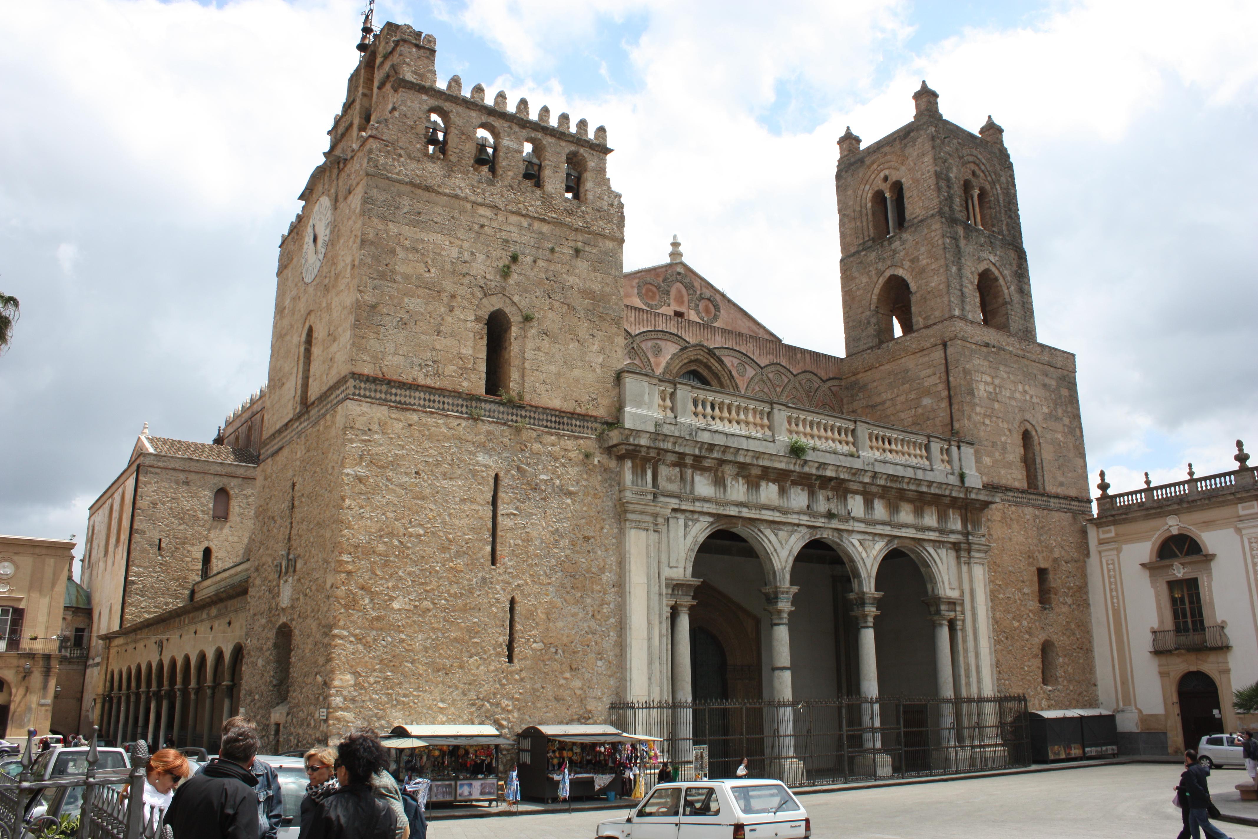 """A Catedral """"Templo de ouro"""", em Monreale"""